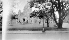[View of the Parliament building in Victoria]