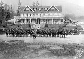 [Mounted officers in front of Canyon View Hotel]