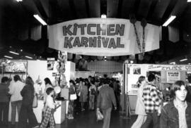Crowd in Kitchen Karnival (Display of kitchenware) in Pacific Showmart building
