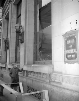 [Property damage to the Bank of Montreal caused by the S.S.] Greenhill Park explosion