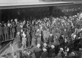 72nd Seaforths - band and crowd at railway station