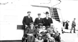 "[Unidentified group] on S.S. ""Mauretania"""