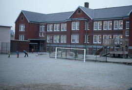 [Henry] Hudson [Elementary] School [at 1551 Cypress Street]