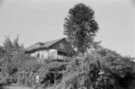 [House at corner of Yale Street and N. Kaslo Street]