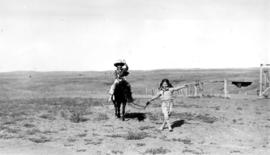 At the ranch : Cowboy John [Banfield] and Alix [Louise Gordon]