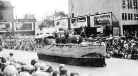 Floats at the Portland Rose Festival : Waterbore [parade float]