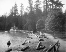 [View of the bathhouse at Second Beach]