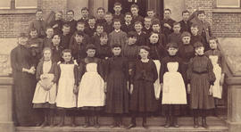 2nd Division Vancouver Public School [Central School] Miss Hartney Teacher