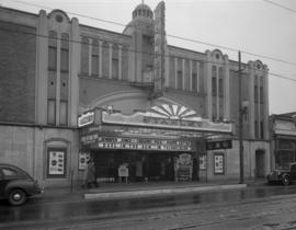 "[Exterior view of the Stanley Theatre showing advertising for ""Duel in the Sun""]"