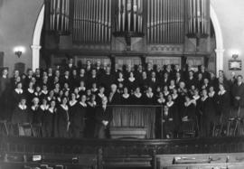 [Wesley Choir's last stand - flashlight taken Sunday evening, August 31, 1930, following the sing...