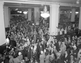 [Crowds in the food department of the Hudson's Bay Company]