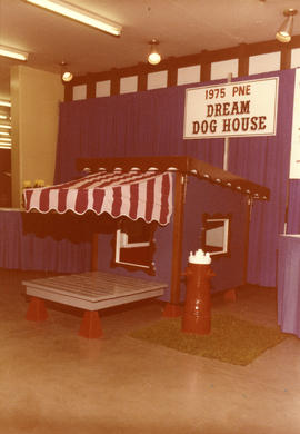 Dog show '75 : [1975 P.N.E. dream dog house]