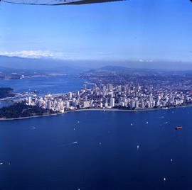 Aerial view of Vancouver : English Bay in foreground, looking towards West End of Vancouver, Nort...