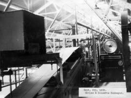 Scales and cossette conveyor