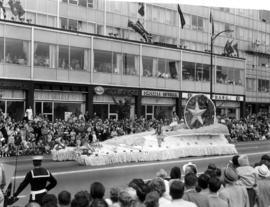 [?] Rogers [?] Bicycle Club Hawaiian float in 1959 P.N.E. Opening Day Parade
