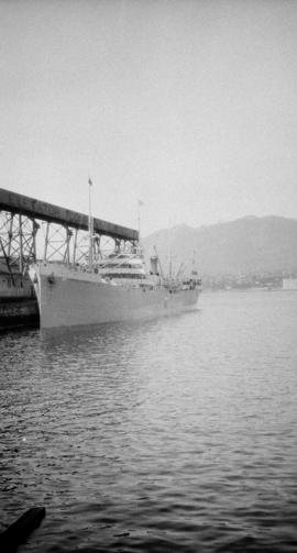 M.S. Knute Nelson [at Canadian Government elevator dock]