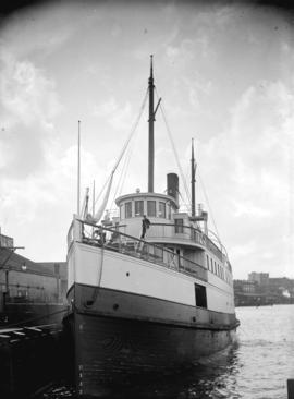 "[The ferry ""Mainlander"" at the Evans, Coleman and Evans dock]"