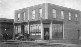 [Exterior of the first brick building in Fort William]