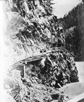 [A part of the Cariboo Road between Hell's Gate and Chapmans]