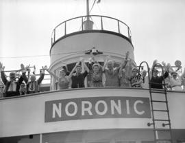 "['V' for victory on the ""Noronic""]"