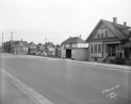 [View of houses on Pacific Avenue looking east towards Burrard Street, before construction of the...