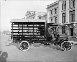 [Pacific Transfer Company truck at Vancouver Courthouse]