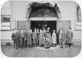 [Group portrait of the Carl Birch Stock Company in front of the People's Theatre - N.W. corn...