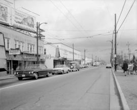 [Looking north along the 5600 Block of West Boulevard]