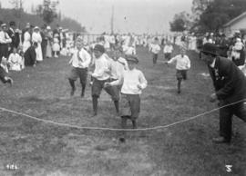 B.C.S.R. [B.C. Sugar Refinery] [children's foot race - boys]
