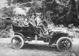 "[His Worship T.S. Baxter and family in a ""Haynes"" car]"