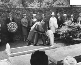 [Mayor W.G. Rathie places wreath on grave of Captain George Vancouver]