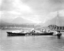 "[Accident, freighter ""Norwich City"" after collision with Second Narrows Bridge]"