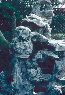 Garden art and craft : Humble Administrator's Garden, rock grotto, go inside