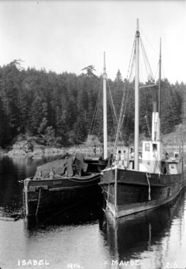 "[Paddle wheeler ""Maude"" and tugboat ""Isabel""]"
