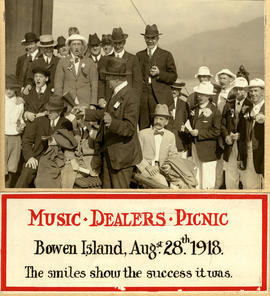 Music dealers picnic, singing group on union steamship