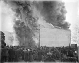 [Fire at Cottrell's warehouse and crowd watchers]
