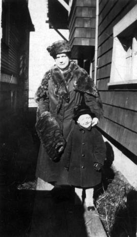 [Alice Berry Taylor with small boy]