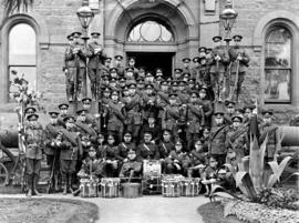 Group portrait of Canadian Cadets while on tour in Australia