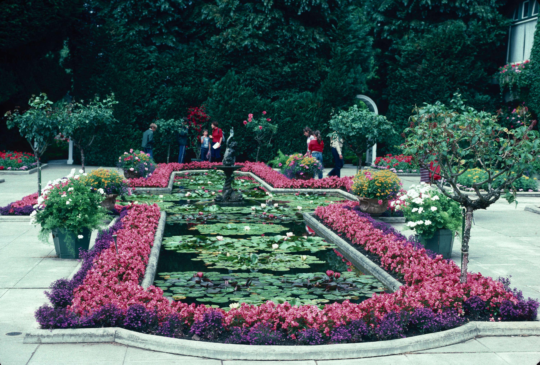 gardens - canada   butchart italian garden