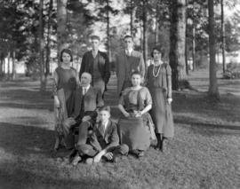 Chambers Family - Group [portrait in Clark park]