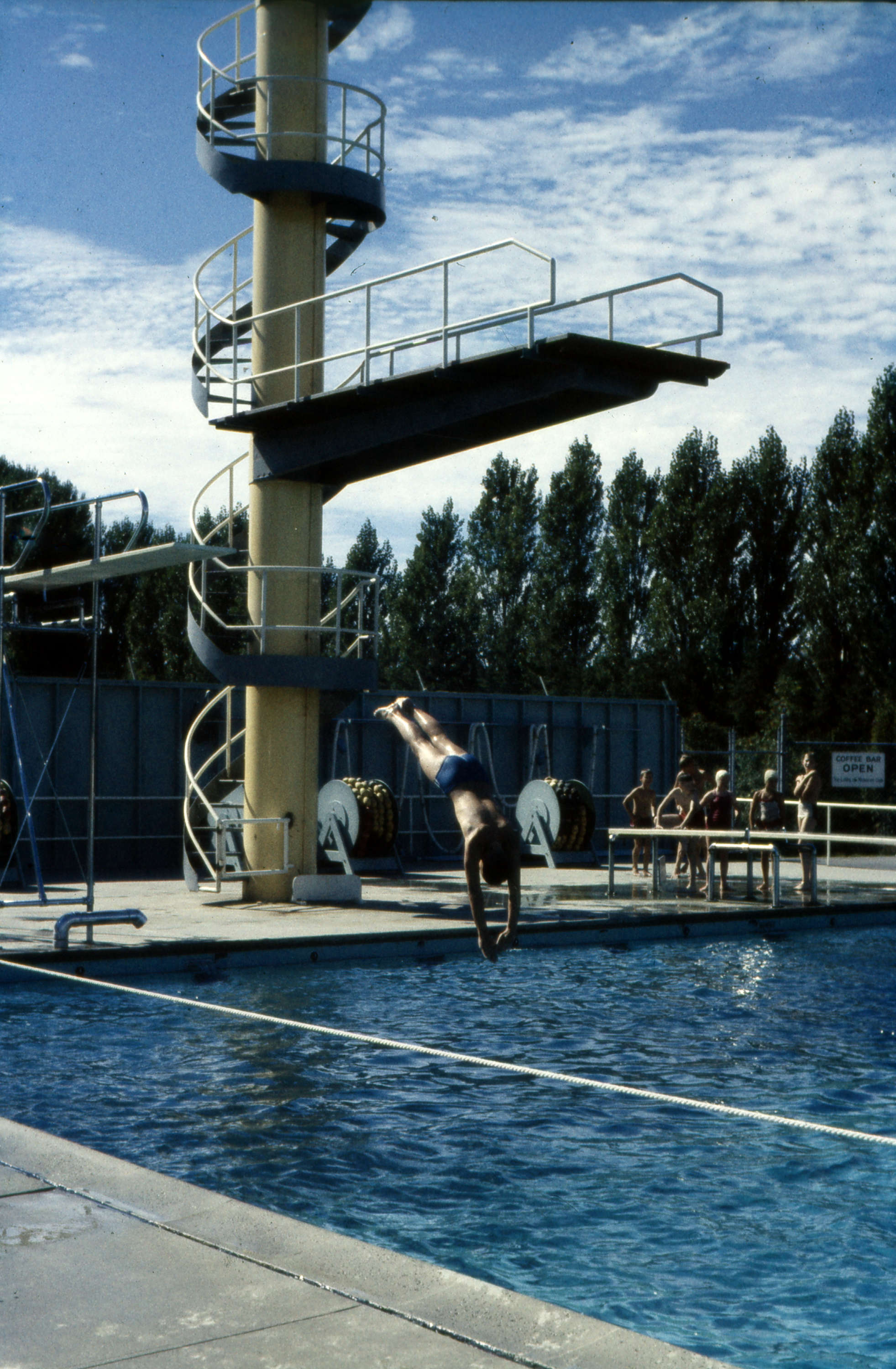 Views Of Empire Pool At Ubc 6081 University Boulevard City Of Vancouver Archives
