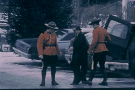 [RCMP escort] - Kite skiing