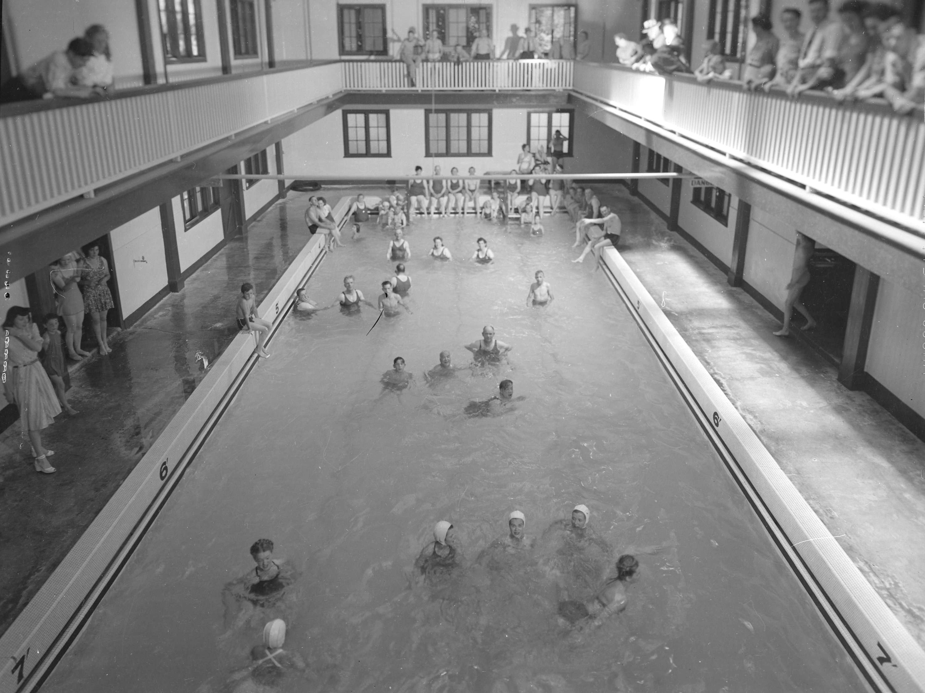 Harrison Hot Springs Bathing Sulphur Swimming Pool City Of Vancouver Archives