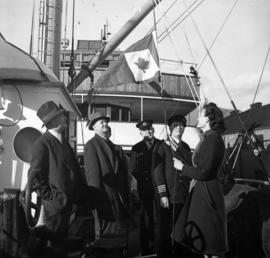 "Raising the Victory Loan Pennant on S.S. ""Cardena"""