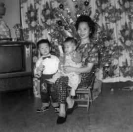 Don Wong's family [1 of 12]