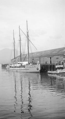 [Aux. S. Lady Kindersley at Evans, Coleman and Evans dock]