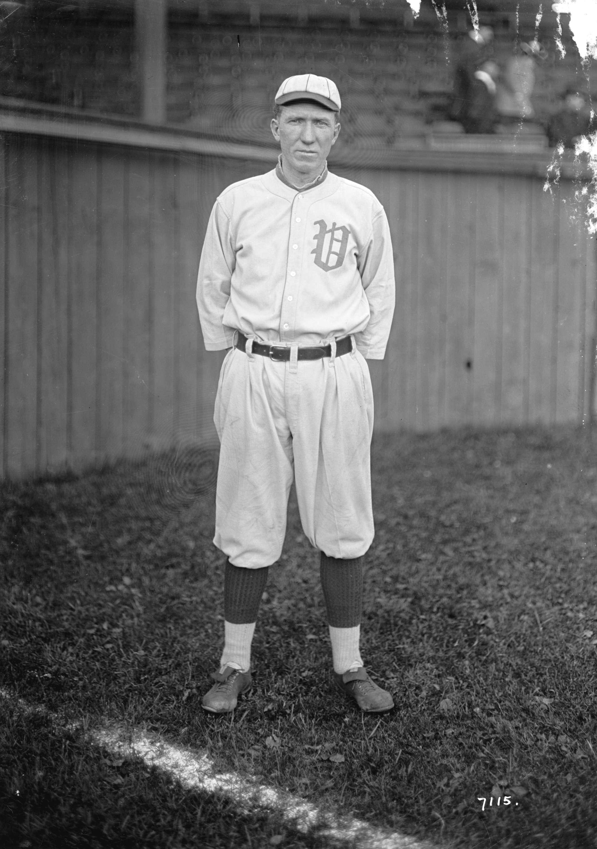 Bob Brown, Vancouver's Mr Baseball