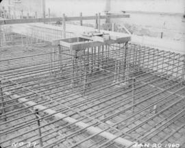 Construction of pan house: installation of rebar for flooring