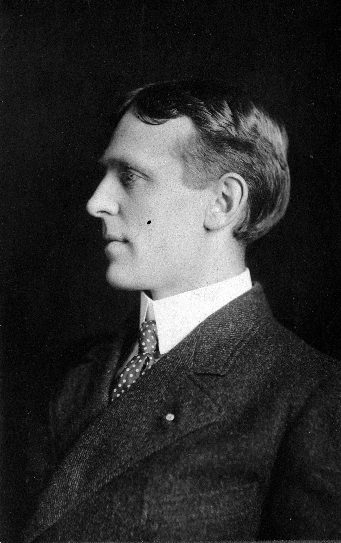 Item : CVA 770-123 - [Portrait of Henry Arthur Bayfield] - 2f4da29c-3789-4712-aacb-c155d64f823b-CVA770-123