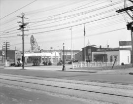 Standard Oil Company Gas Station [at 5th Avenue and Cambie Street]